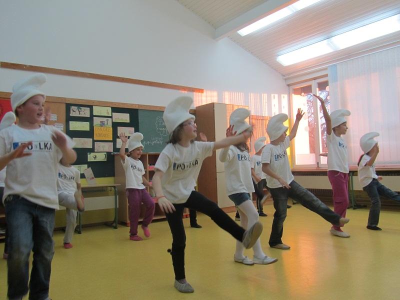 Plesni nastop – PŠ Polka